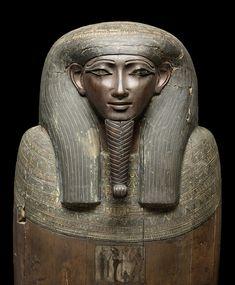 Mittlerer Sarg des Pa-es-tenfi aus Theben, ÄM 51, Spätzeit, ca. 664-332 v. Chr. | Staatliche Museen zu Berlin, Ägyptisches Museum und Papyrussammlung