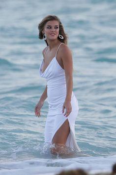 Nina Agdal descuido pezón en sesión de fotos en Miami  