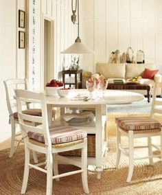 great light for a kitchen dinning area