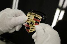 Porsche  http://www.motorpasion.com/porsche/logos-coches-porsche
