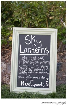 Sky Lanterns at the Wedding Reception Wedding 2017, Fall Wedding, Our Wedding, Dream Wedding, Beach Wedding Signs, Wedding Stuff, Wedding Week, Forest Wedding, Wedding Things