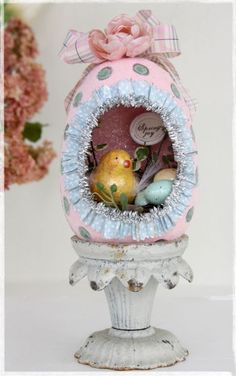 Easter Egg Diorama by Linda Albrecht . This is in English and translated by google @ https://translate.google.com.au/translate?hl=en&sl=ru&u=http://fa-na-t.ru/post270315517/&prev=search