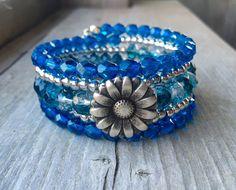 Bold N' Blue Daisy Button Multi Strand Memory от McHughCreations