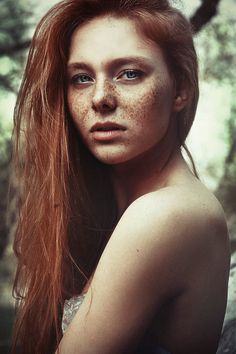 I love freckles and red hair Beautiful Freckles, Gorgeous Redhead, Redheads Freckles, Red Freckles, Freckle Face, Natural Redhead, Portraits, Redhead Girl, Belleza Natural