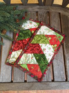 Christmas Friendship Braid Mug Rug 6 x 10 Holiday by knjStudio Christmas Mug Rugs, Christmas Sewing, Noel Christmas, Christmas Tree Ornaments, Christmas Crafts, Mug Rug Patterns, Quilt Patterns, Quilting Projects, Sewing Projects