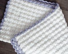 Vintage chic crochet baby blanket - Free pattern