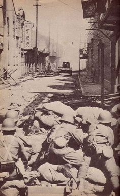 Japanese troops street fighting in Shanghai, Sep-Oct 1937