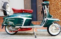 Innocenti Lambretta special x150 1968, with Mugello 186kit, sito Ancilotti exhaust, ulma double legshield trim, ulma rear career, super folk cover in 1990s Porsche racing green metallic