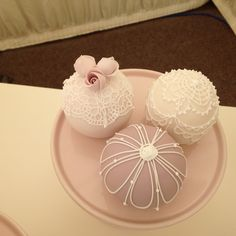 Simons wedding cakes