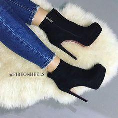 Trendy Womens High Heels : Hot or Not? High Heel Boots, Heeled Boots, Lingerie Heels, Girls Heels, Black Ankle Booties, Black High Heels, Pretty Shoes, Dream Shoes, Womens High Heels