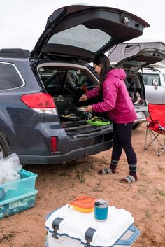 Got a Subaru Outback? Here's a Subaru Outback build out, without building anything out, a guide for those of us who aren't handy. Outback Car, Outback Campers, Yakima Skybox, 2013 Subaru Outback, Honda Element Camper, Roof Box, Suv Camping, Subaru Cars, Honda Civic Si