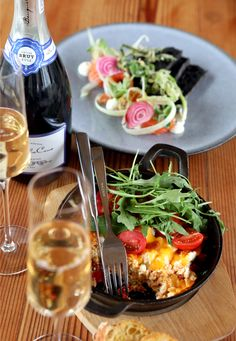 Head over to Benguela Cove for brunch and bubbly to set the tone for the week ahead. Sunday Brunch, Pasta Salad, Delicious Food, Bubbles, Restaurant, Ethnic Recipes, Crab Pasta Salad, Twist Restaurant, Yummy Food