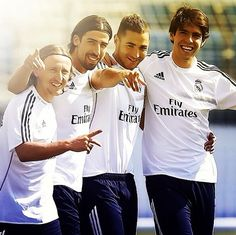 Real Madrid Luka Modrić, Kaka, Karim Benzema, and Sami Khedira