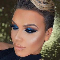 33 Ideas eye makeup dramatic glitter new years Dramatic Wedding Makeup, Dramatic Eye Makeup, Makeup For Green Eyes, Smokey Eye Makeup, Bridal Makeup, Glitter Makeup, Glitter Eyeshadow, Eyeshadow Makeup, Pink Makeup