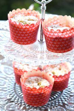 Rhubarb mini cakes
