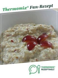 Fruchtiges Bircher Müsli Fruity Bircher muesli by A Thermomix ® recipe from the category other main dishes on www.de, the Thermomix ® Community. Cooking Chef, Cooking Pasta, Girl Cooking, Easy Cooking, Cooking Ideas, Healthy Cooking, Chocolate Chip Oatmeal, Breakfast Smoothies, Vegan Baking