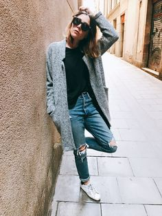 Casual look for spring by Morgane : coat Zara + cardigan Michael Kors + denim Levi's + shirt Bershka + sneakers Golden Goose #teampotoroze