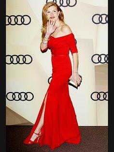 Connie Britton Golden Globes Pre-Show 2013