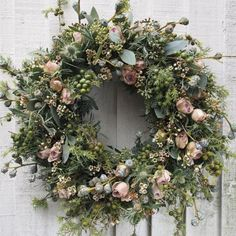 Likes, 33 Comments - Rona Wheeldon Flower Head Wreaths, Wreaths And Garlands, Floral Wreaths, Christmas Door Wreaths, Christmas Flowers, Deco Floral, Arte Floral, Flowers Instagram, Decoration Inspiration