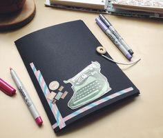 Trochę papieru, guzik, sznurek, dużo kreatywności – tyle wystarczy, by  stworzyć…
