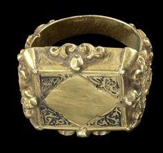A Seljuk niello and gold Ring Persia, 12th/ 13th Century.    © Bonhams 2001-2014