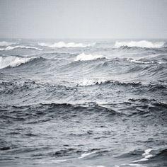 Brad Sloan - Amongst The Waves