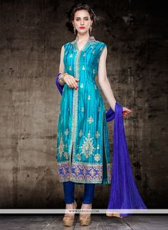 Add grace and charm for your look in this turquoise cotton silk churidar salwar kameez. The brilliant attire creates a dramatic canvas with amazing embroidered and cutdana work. Comes with matching bo. Punjabi Fashion, India Fashion, Bollywood Dress, Bollywood Fashion, Churidar, Salwar Kameez, Anarkali, Designer Suits Online, Desi Clothes