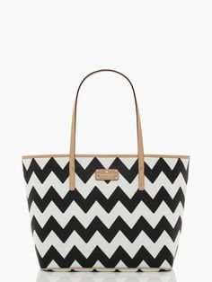 black and white chevron 'south of the border' tote bag now 75% off during the kate spade flash sale that ends today!