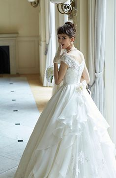 Princess Wedding Dress For Aire Boho Collection 2020 2 Piece Wedding Dress, Wedding Dress Separates, Classic Wedding Dress, Western Wedding Dresses, Bridal Dresses, Wedding Gowns, Marie, Ball Gowns, Photos