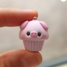 Fimo Kawaii, Polymer Clay Kawaii, Fimo Clay, Polymer Clay Projects, Polymer Clay Charms, Clay Crafts, Polymer Clay Miniatures, Polymer Clay Creations, Polymer Clay Cupcake