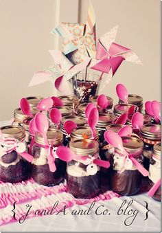 Girl Baby shower ooooo yum brownies in a mason jar.cute for favors! Cute Baby Shower Ideas, Baby Shower Gifts, Baby Gifts, Shower Favors, Shower Party, Party Favors, Shower Cake, Favours, Bridal Shower