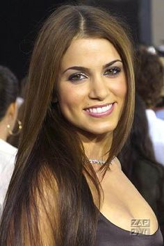 Nikki Reed... not sure if I like her better w/ the blonde hair in Twilight or not! ok, I like everyone better w/ blonde hair so that's a YES