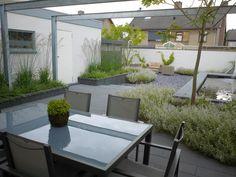 Moderne, kleine achtertuin