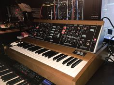 MATRIXSYNTH: Trent Reznor Gets the New Minimoog Model D SN 0000...