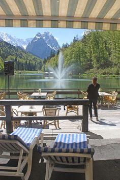 Hochzeit am Riessersee - Sängerin auf der Seeterrasse, Liegestühle, Strandfeeling in den Bergen