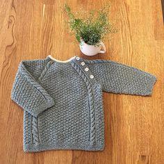 Perlegenser fra Nøstestrikk nr 5 i farge akvamarin. Baby Barn, Pullover, Sweaters, Fashion, Moda, Fashion Styles, Sweater, Fashion Illustrations, Sweatshirts