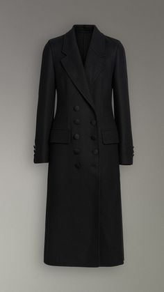 Double-breasted Cashmere Tailored Coat in Black - Women Fashion Now, Fashion Line, Urban Fashion, Runway Fashion, Fashion Beauty, Luxury Fashion, Muslim Fashion, Hijab Fashion, Fashion Outfits