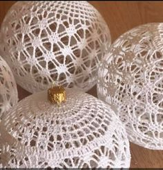 Crochet Christmas Ornaments, Christmas Crochet Patterns, Christmas Crafts, Crochet Snowflake Pattern, Crochet Snowflakes, Crotchet Stitches, Thread Crochet, Christmas Angel Decorations, Crochet Tablecloth