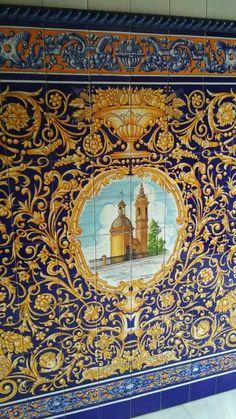 Entrada casa d Triana Sevilla Rugs, Inspiration, Home Decor, Home Entrances, Farmhouse Rugs, Biblical Inspiration, Decoration Home, Room Decor, Home Interior Design