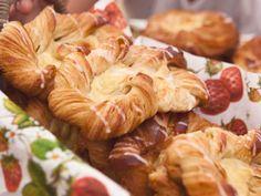 Wienerbröd. Sandwich Cake, Sandwiches, Danish Food, Snack Recipes, Snacks, Eat Smart, Fika, Baked Goods, Nom Nom
