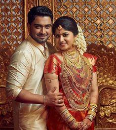 Best wedding makeup asian to get 22 ideas - Wedding Makeup Classic Kerala Wedding Saree, Indian Wedding Bride, Kerala Bride, Hindu Bride, South Indian Weddings, South Indian Bride, Indian Bridal Outfits, Indian Bridal Fashion, Wedding Poses