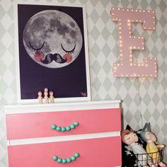 Ferm Living harlequin mint wallpaper, hacked ikea dresser fur neil man in the moon poster, diy marquee light using fairy lights, sonny angels and sleepy metoo dolls kids room, girls room, playroom
