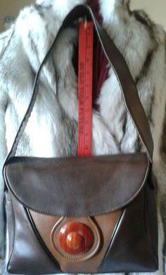 #vintagepurse #retromod #vintagebag Retro 60s mod shoulder bag, faux tortoise clasp