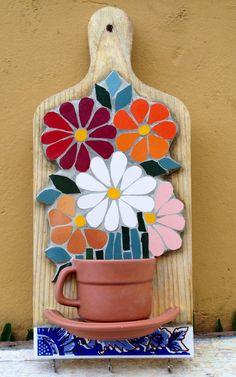 Resultado de imagem para Mosaic dog by Solange Piffer Mosaic Garden Art, Mosaic Tile Art, Mosaic Artwork, Mosaic Glass, Mosaic Art Projects, Mosaic Crafts, Stained Glass Patterns, Mosaic Patterns, Patchwork Patterns