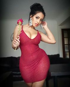 Fitness girls -clarek Hot fitness model in sexy red dress outfit and a red rose Sexy Outfits, Sexy Dresses, Curvy Girl Fashion, Womens Fashion, Corpo Sexy, Modelos Plus Size, Voluptuous Women, Beautiful Curves, Sexy Women