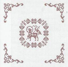 at uploads pics Beaded Embroidery, Cross Stitch Embroidery, Cross Stitch Patterns, Easter Cross, Easter Crochet, Filet Crochet, Knitting Projects, Altar, Needlework