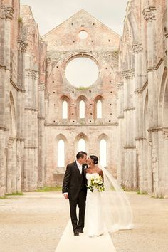 Top 4 Tuscany Wedding Castles in Italy (with photos)