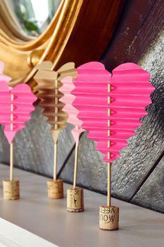 Valentines Bricolage, Kinder Valentines, Valentine Day Crafts, Holiday Crafts, Spring Crafts, Valentines Design, Homemade Valentines, Valentine Wreath, Paper Hearts