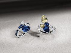 Crivelli Galleria: anelli contaire in oro bianco con zaffiri blu e diamanti bianchi o gialli