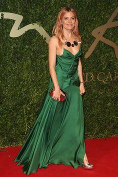"""Sienna Miller o Keira Knightley en """"Expiación""""? (British Fashion Awards, Burberry Prorsum)"""